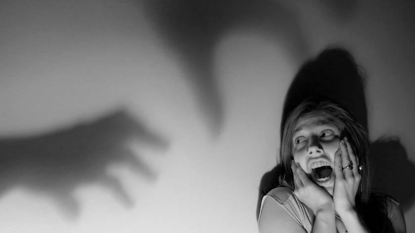 Панические атаки: причины, симптомы, лечение