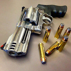 Smith and Wesson Magnum-500